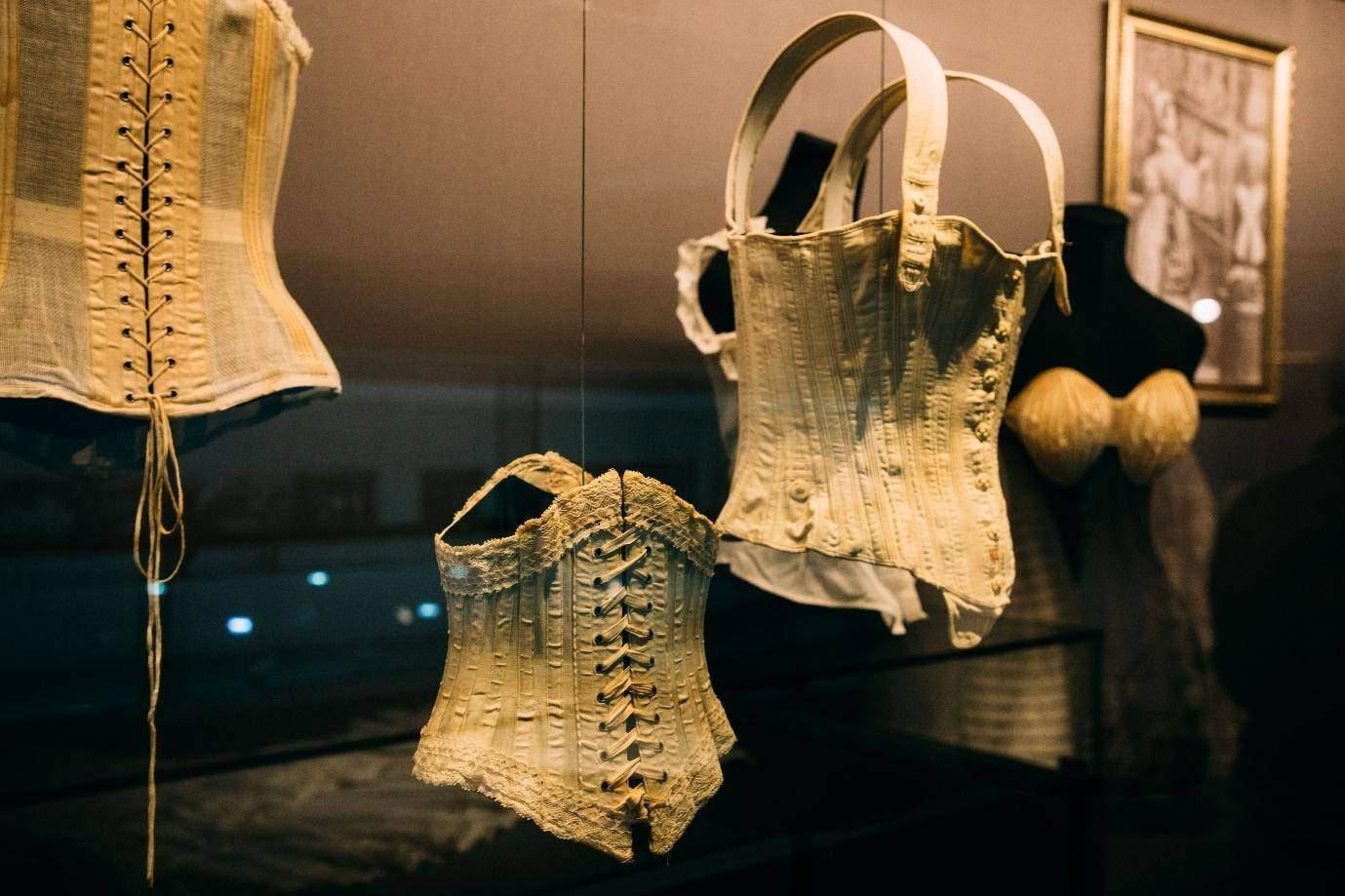 Fabric of corset dress